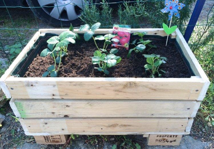 Diy Comment Faire Une Jardiniere Avec Des Palettes