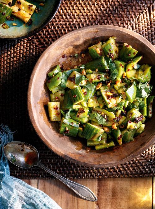 Salade de concombres écrasés