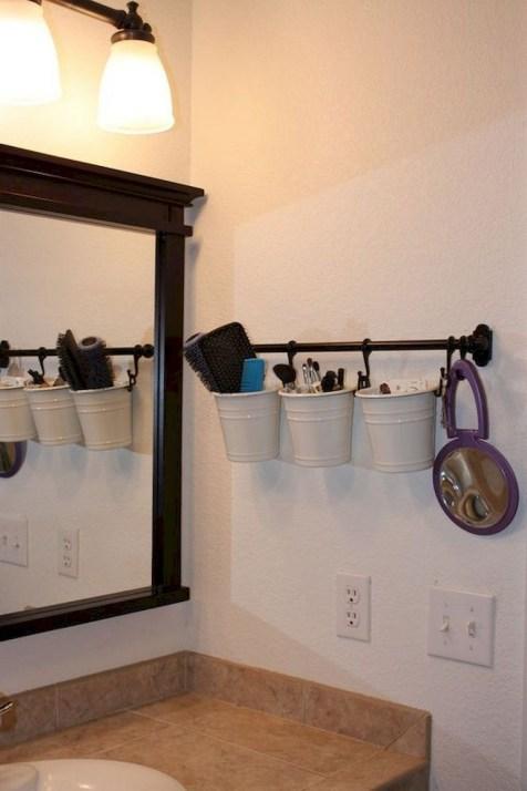 Des idées deco pour votre petite salle de bain (26)