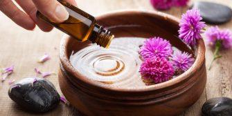 5 huiles essentielles dont vous avez besoin pour une maison propre et écologique