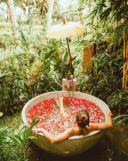 Une baignoire en extérieur (3)