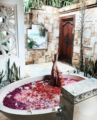 Une baignoire en extérieur (6)
