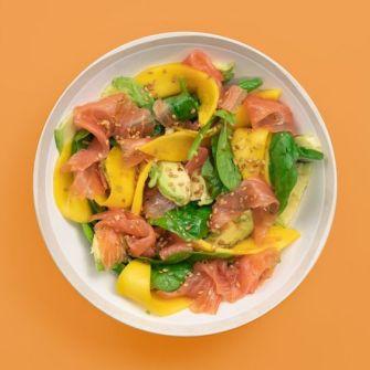 Salade de saumon, mangue et avocat