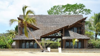 Superbe maison exotique sur l'île de Sakatia