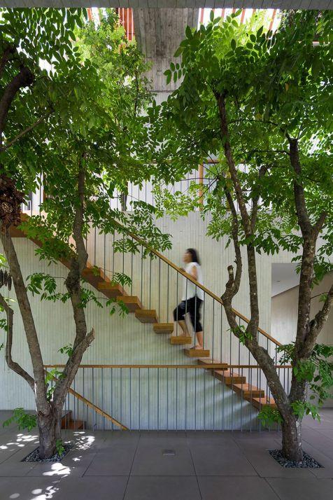 Les-Architectes-de-VTN-ont-conçu-une-Maison-vietnamienne-avec-un-Espace-vert-à-lIntérieur-06