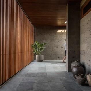 modern-house-hallway-wood-slat-wall-100220-1206-03