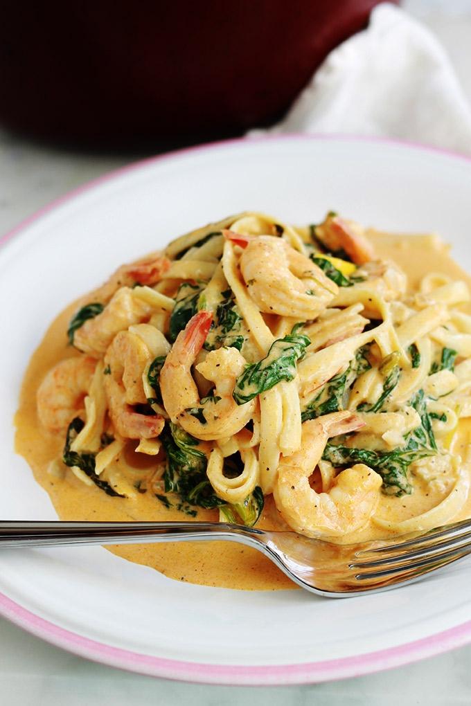 Pates-aux-crevettes-sauce-cremeuse-aux-epinards-parmesan-rapide_3_680