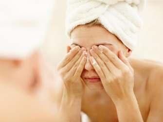 Le double nettoyage : le geste essentiel pour une jolie peau