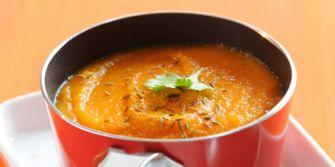 La soupe de carottes au curcuma pour une soirée torride en amoureux