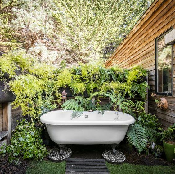 Une baignoire extérieure (2)