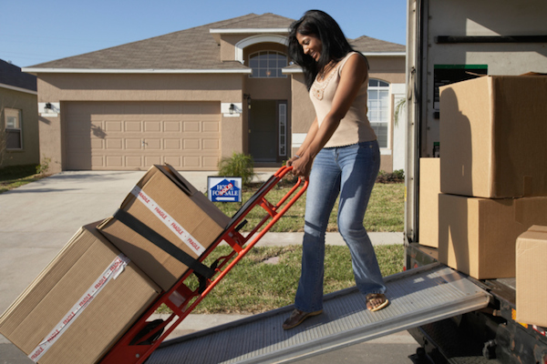 how to pack a moving truck efficiently