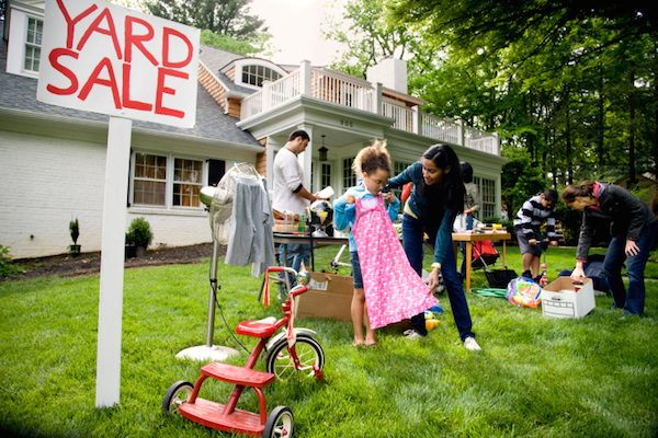 3 Great Ways to Promote Your Yard Sale Online