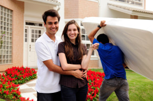 mover carrying mattress