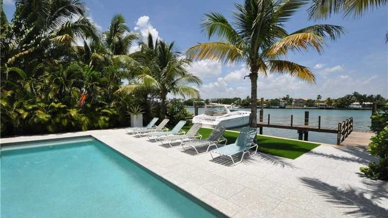 Beach-homes-Miami-Beach-e1485987648684-2