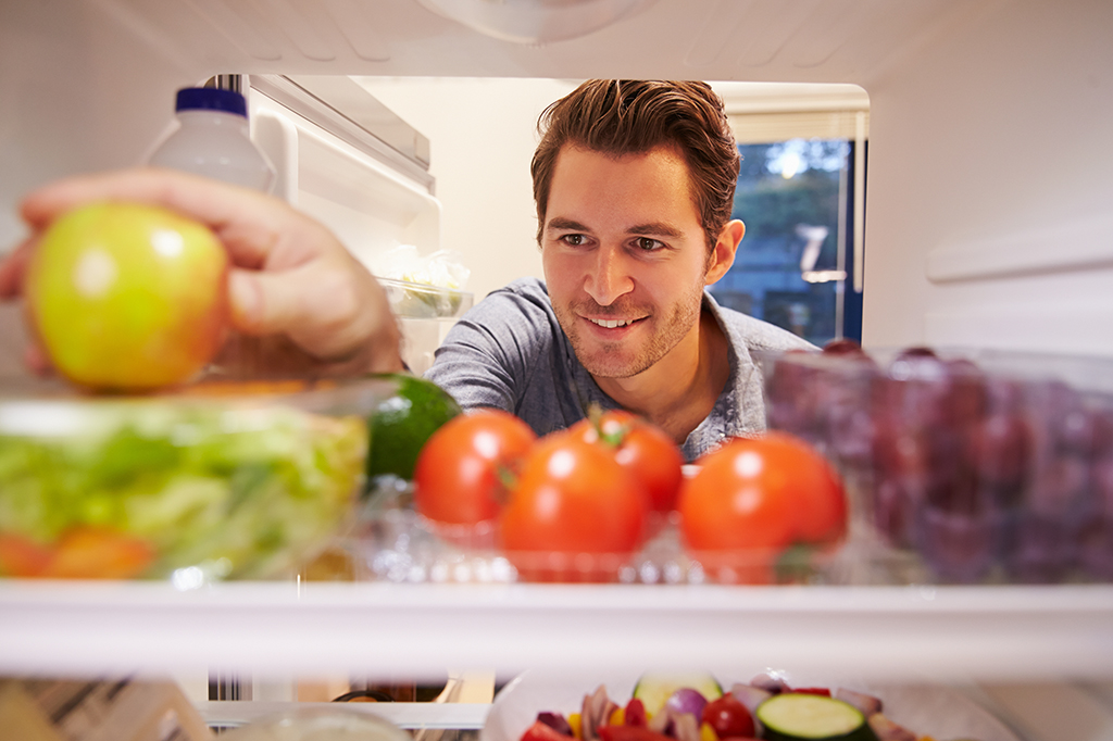 10 Tips for Healthy Eating While Moving