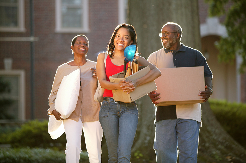 College Dorm List: Checklist of What To Bring