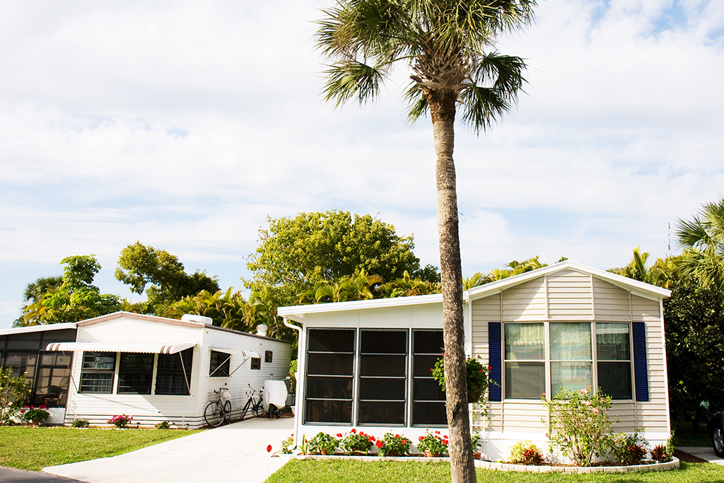 What Is The Difference Between a Mobile Home, Manufactured Home, Trailer and RV?