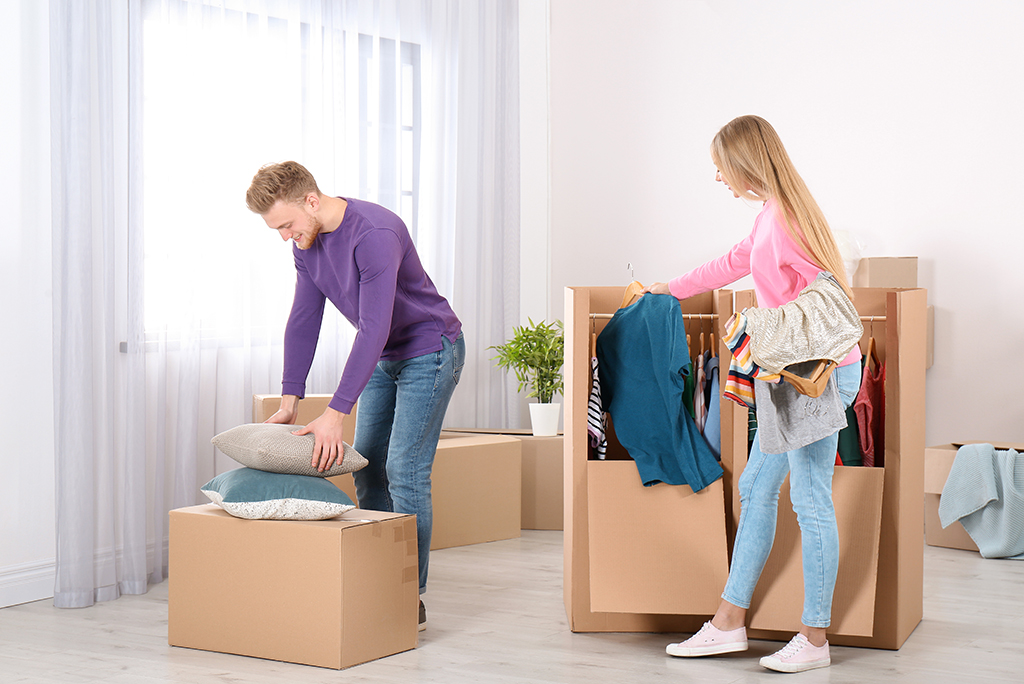 How To Pack Clothes For Moving A Step By Step Guide Moving Com