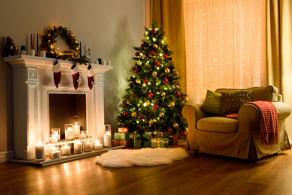 6 Tips for Packing & Moving Christmas Decor