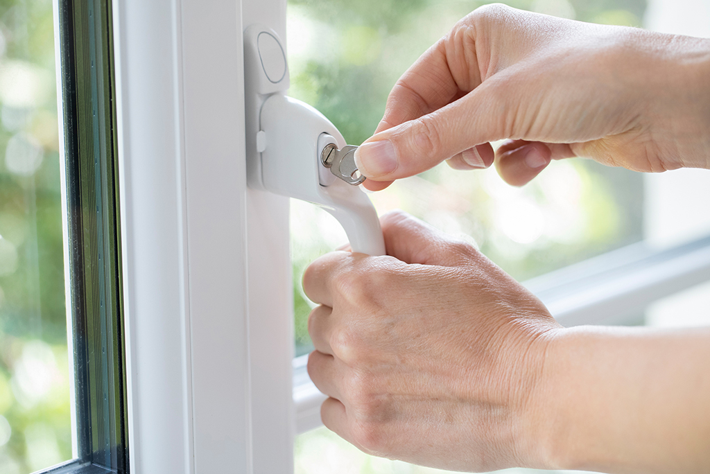 locking home windows
