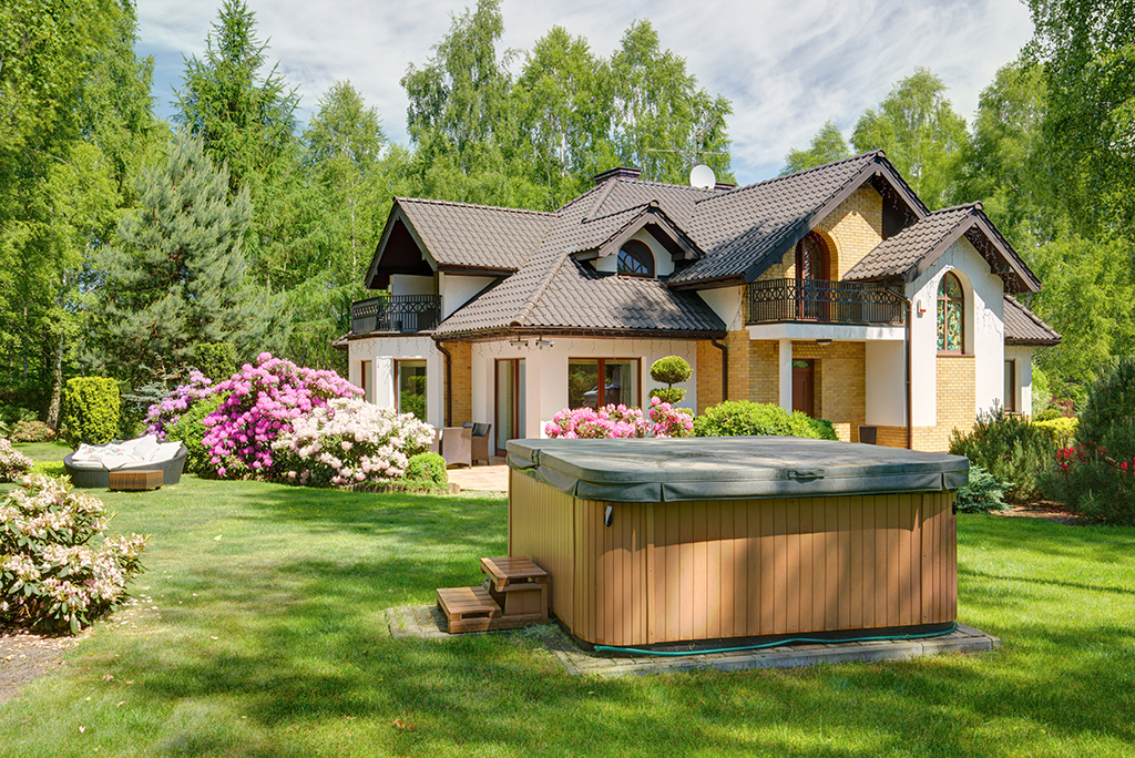 How To Move A Hot Tub In 10 Easy Steps Moving Com