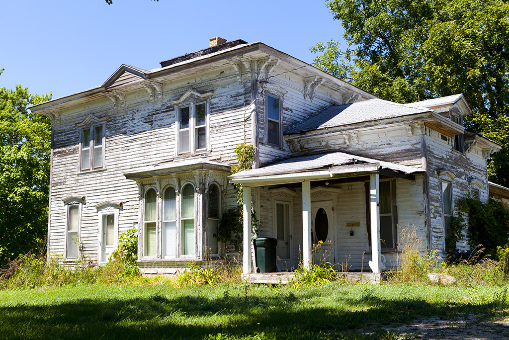 5 Things to Consider Before Buying an Old House