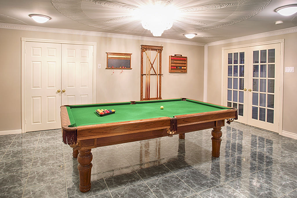 How to Disassemble and Reassemble a Pool Table