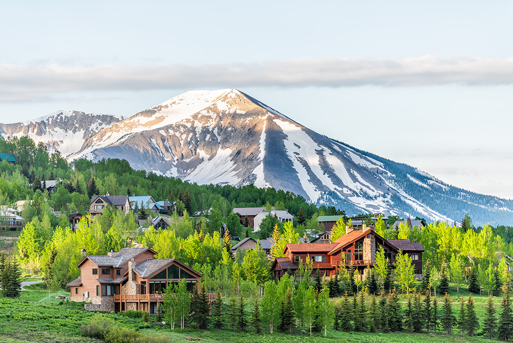 10 Reasons to Move to Colorado
