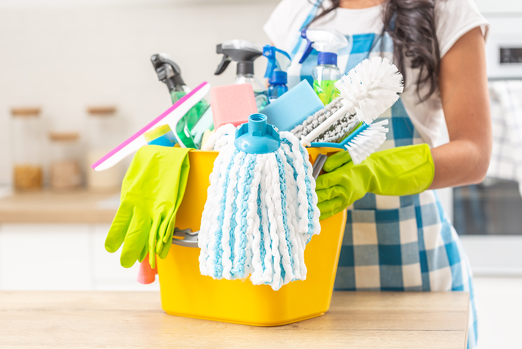 Home Cleaning Services to Use When Moving