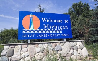 welcome michigan sign