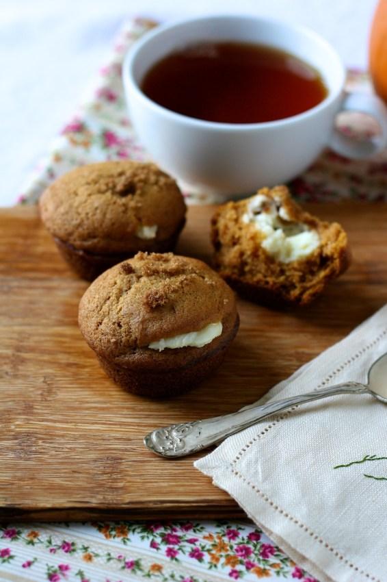 pumpkin cheesecake muffins | movita beaucoup