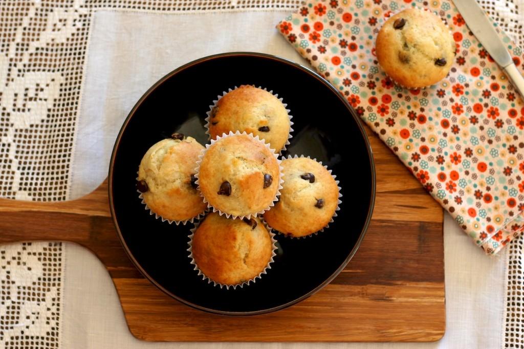 banana chocolate chip muffins   movita beaucoup