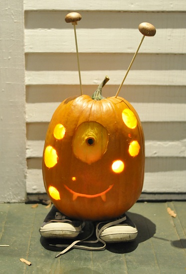 katherine & scott's pluto the friendly pumpkin fiend | movita beaucoup