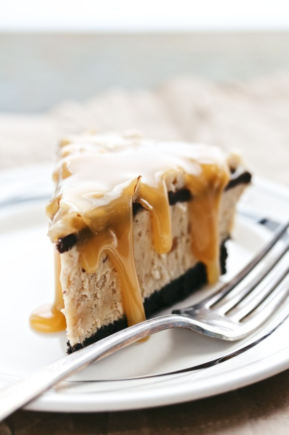 frozen chocolate peanut butter pie | movita beaucoup