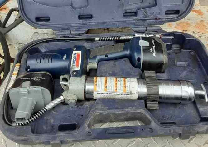 How to Prime a Grease Gun