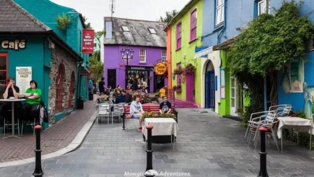 15 coisas incríveis para fazer em Cork - Irlanda - Wild Atlantic Way - uma grande lista de coisas para ver e fazer!  Do topo de penhascos escarpados, praias deslumbrantes, vilas coloridas e penínsulas selvagens, passear por Cork não irá decepcionar.  #WAW #WildAtlanticWay #WestCork Leia o artigo completo aqui: //mowgli-adventures.com/things-to-do-in-cork-ireland/