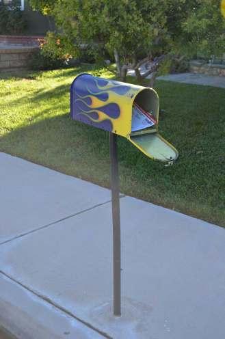 More hot mail ... 2 doors down.