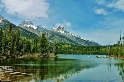 Taggart Lake. Photo: A. Yu. From the Park's Facebook page.