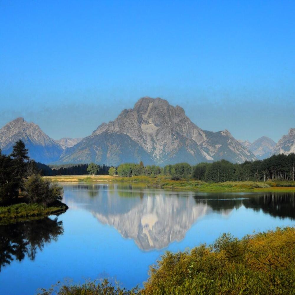 Oxbow Bend in summer. Photo: Robert McKinney. Tweeted by the US Department of the Interior, 2/28/14.