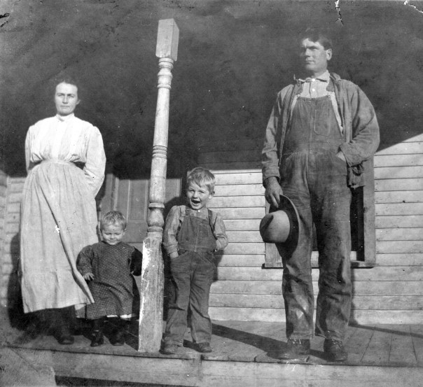 Artemus Clyde Shull (1879 - 1944), on right, is my mother's father's father. He's my Great Grandfather. Here he's shown with his family, from left, Cora Baugher Shull, Gordon Shull and Lee Shull (my Grandfather, with the open mouth).