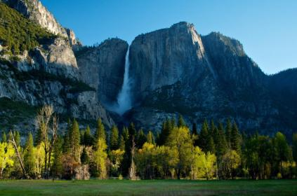 A gorgeous pic of Yosemite Valley on an early spring morning. Photo by Douglas Croft. Tweeted by the US Department of the Interior, 3/26/15.