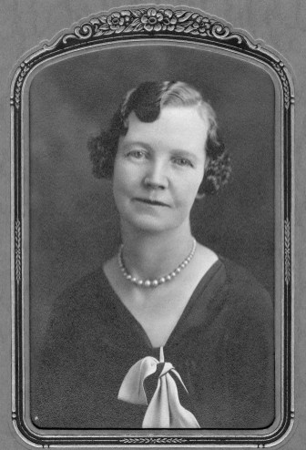 Mary Effie Barrett Mowry (1880 - 1936). My father's father's mother. My Great Grandmother.