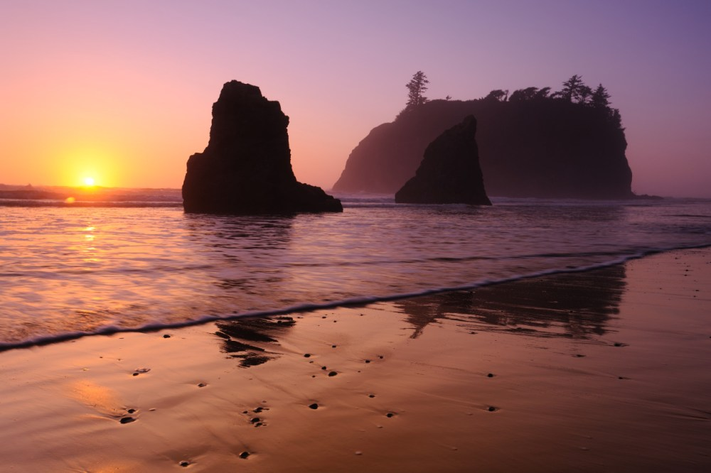 Sunset at Ruby Beach, Olympic National Park. Photo by William Brinkman. Posted on Tumblr by the US Department of the Interior, 1/29/16.