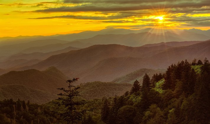 A grand golden sunset over North Carolina's Blue Ridge Parkway. Photo by Chris Mobley. Tweeted by the US Department of the Interior, 7/27/16.