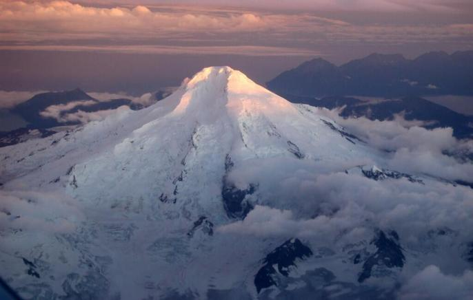 A cool aerial photo of one of Alaska's many volcanoes, Iliamna. Tweeted by the US Department of the Interior, 12/11/13.