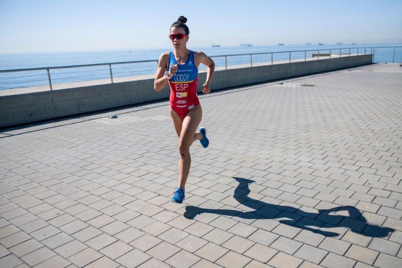 Anna Godoy con suunto spartan sport foto quim farrero