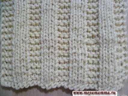 Motivi per sciarpe a maglia con aghi per maglieria dalle file di felpa e anelli longiti