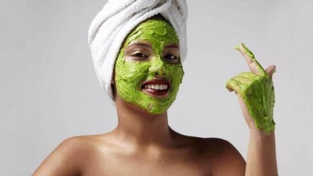 маски проти зморшок з авокадо