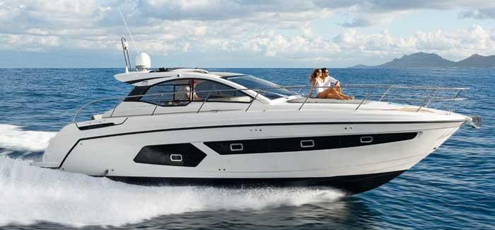 Аренда яхты на Кипре Azimut 43 для незабываемого отдыха!