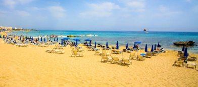 йога лагерь на Кипре возле Фиг Три Бэй бич